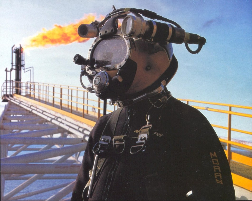 Offshore Commercial Diver : Saturation diving nektonix